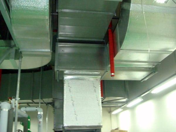 Impianto-condizionamento-canalizzato-industriale-piacenza